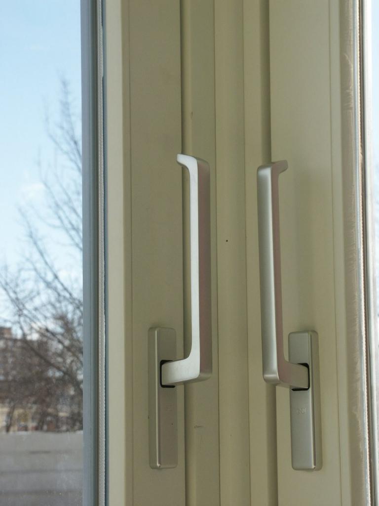 posuvné dvere rohové kľučka